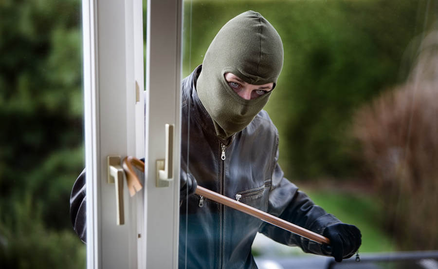 robber in home invasion